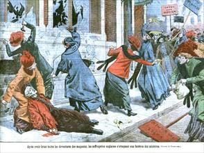 Les suffragettes anglaises s'attaquent aux fenêtres des ministres