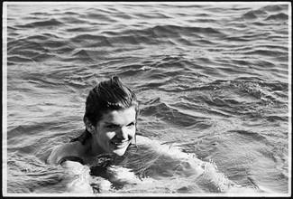 Jackie Kennedy. . Vacances à Amalfi (Italie).