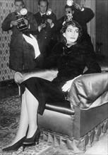 Maria Callas lors d'une conférence de presse en 1958