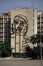 Portrait du Che peint sur la façade du ministère de l'Intérieur de la Havane