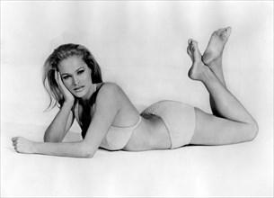 Ursula Andress, 1964