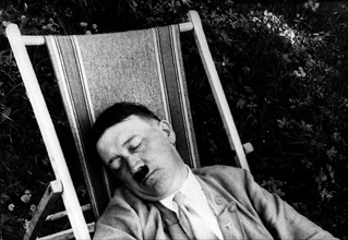 Adolf Hitler se reposant