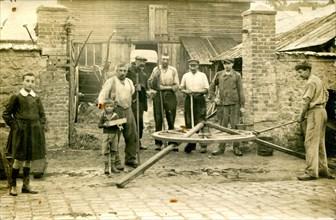 Neufchatel-En-Bray, atelier de fabrication de roues