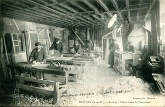 Houdan, atelier de fabrication de couveuses