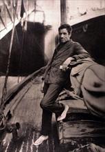 """Portrait d'Alain Gerbault, sur le pont de son """"Firecrest"""", 1929"""