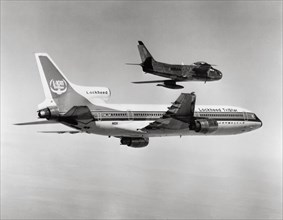 Lockheed L-1011 TriStar et chasseur F-86 Sabre, 1976