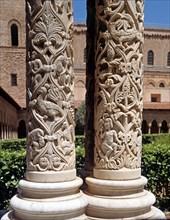 Colonnes du cloître de la cathédrale de Monreale (Sicile)