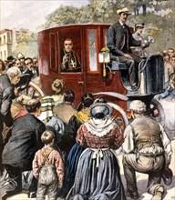 l'archevêque de Milan effectue la visite de ses paroisses en voiture électrique (1903)