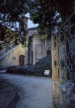 Jardin de la zone Dante à Ravenne, monticule sous lequel le corps de Dante Alighieri a été protégé pendant la Seconde Guerre mondiale.
