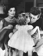 Jackie, Caroline et John F. Kennedy
