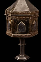 Monreale Cathedral, Diocesan Museum: polygonal pyx in gilded and embossed silver