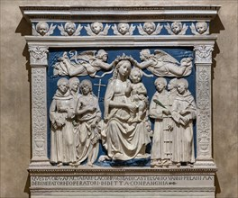 Andrea Della Robbia: 'The Virgin Mary with Infant Jesus between Angels and Saints'