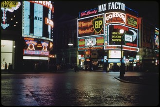 Street Scene at Night, Piccadilly Circus, North Side, London, England, UK, 1960