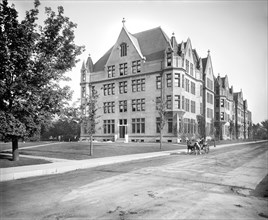 Cobb Lecture Hall, University of Chicago, early 1900's