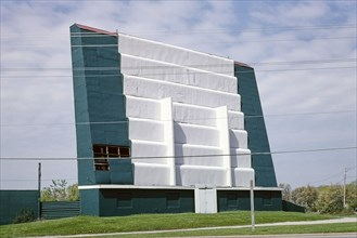Keno Family Drive-in Theater, Route 32