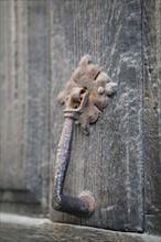 France, Bretagne, Ille et Vilaine, rennes, vieux rennes, detail maison, heurtoir de porte, rue de la psalette