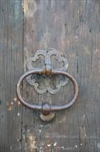 France, languedoc roussillon, gard, uzes, maison ancienne, ferronnerie, heurtoir de porte,