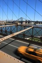 usa, etat de New York, New York City, Manhattan, brooklyn, pont de brooklyn bridge, pietons, vehicules, jogging, circulation, pointe de Manhattan, Manhattan bridge, taxi,