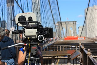 usa, etat de New York, New York City, Manhattan, brooklyn, pont de brooklyn bridge, pietons, vehicules, jogging, circulation, pointe de Manhattan, camera, 35 mm, cinema, tournage film,