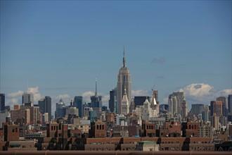 usa, etat de New York, New York City, Manhattan, brooklyn, pont de brooklyn bridge, pietons, vehicules, jogging, circulation, empire state building,