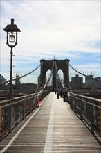 usa, etat de New York, New York City, Manhattan, brooklyn, pont de brooklyn bridge, pietons, vehicules, jogging, circulation, pointe de Manhattan,