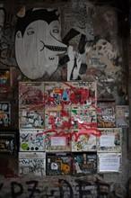 Allemagne, Germany, Berlin, Scheunenviertel, quartier des Granges, squat d'artistes, alternatifs, street art, boites aux lettres,