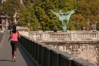 Seine, Pont De Bir Hakeim