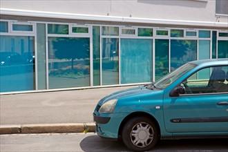 Nantes, voiture et devanture