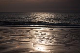 Trouville sur Mer, la plage au soleil couchant
