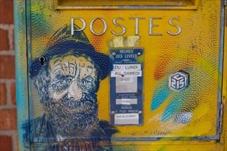Etaples-sur-Mer, boîte aux lettres peinte