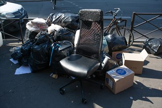 Paris, dépôt sauvage d'ordures