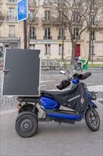 Paris, scooter de livraison