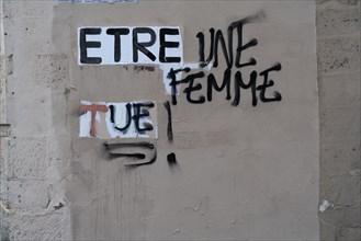 Paris, affichage de protestation contre la violence faire aux femmes