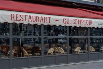Paris, Brasserie Bullier fermée pour cause d'épidémie de coronavirus