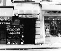 Rue Saint-Honoré. Ancienne maison de Robespierre.