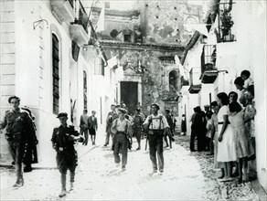 1936. Guerre d'Espagne: Entrée des troupes nationalistes à Calarosa