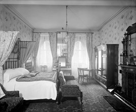 Room 304 in the Grand Hotel, Northumberland Avenue, London, 1912