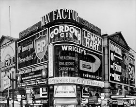 The corner of Piccadilly Circus, Westminster, London, c1961