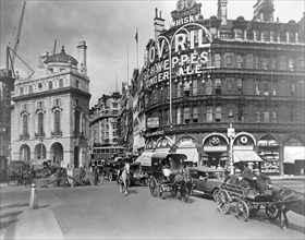 Piccadilly Circus, City of Westminster, London, early 20th century.  Artist: George Davison Reid