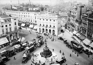 A view of Piccadilly Circus, c1912-c1914. Artist: Unknown