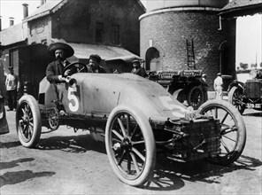 Pipe car driven by Lucien Hautvast, Circuit des Ardennes, Belgium, 1904. Artist: Unknown