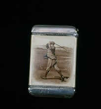 Vesta case, with silver base and lid, 1902. Artist: Unknown