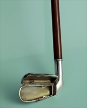 Silver cigarette case walking stick designed to look like a golf club, c1910. Artist: Unknown