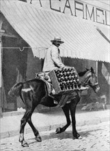 Beer delivery, Valparaiso, Chile, 1922. Artist: Allan
