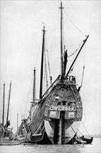 Chinese junk, 1922. Artist: BT Prideaux