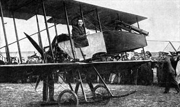 British aeroplane with quick-fire gun, First World War, 1914. Artist: Unknown