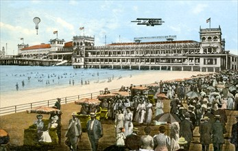 Young's New Million Dollar Pier, Atlantic City, New Jersey, USA, 1913. Artist: Unknown