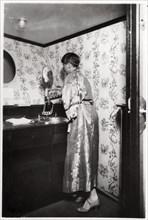 Ladies' washroom, Zeppelin LZ 127 'Graf Zeppelin', 1933. Artist: Unknown
