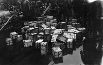 Transportation of £14,000,000 of bullion on the British battleship HMS 'Malaya', 1940. Artist: Unknown