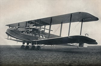 Handley-Page W.10 Passenger-carrying aeroplane operating on Imperial Airways, 1929. Artist: Unknown